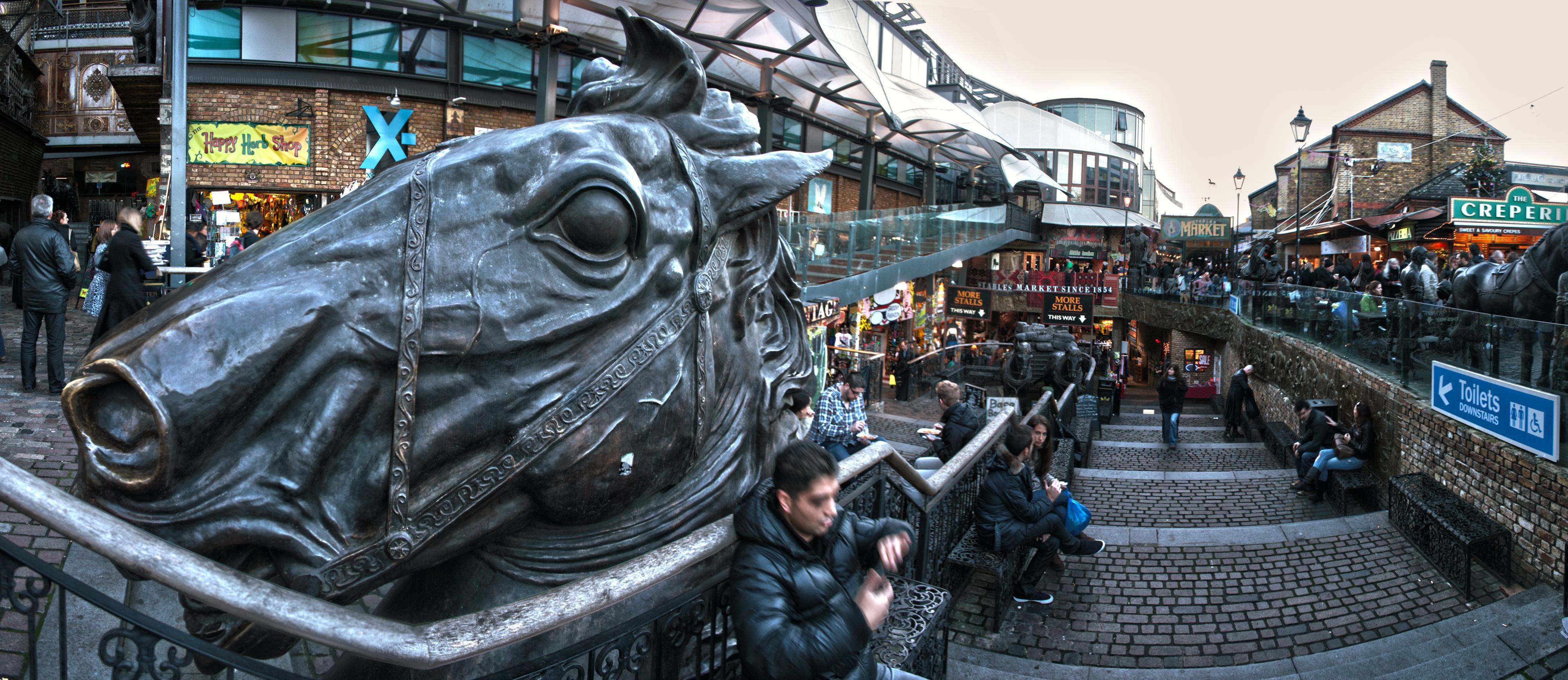 Сердце района Camden – рынок Camden Lock. Найти в продаже можно абсолютно все – надо просто знать, где искать