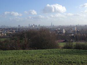 Панорама на город с Парламентского Холма в парке Хэмпстед